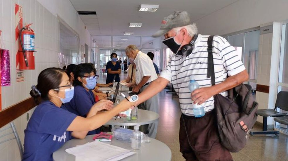 Habrá puestos de vacunación en algunas escuelas durante las elecciones en Salta