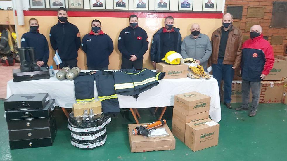 Los Bomberos adquirieron equipamiento por más de 2 millones de pesos
