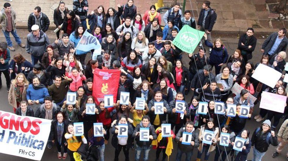"""""""Un corte al recorte"""": el lema de la UNaM en defensa de la Educación Pública"""