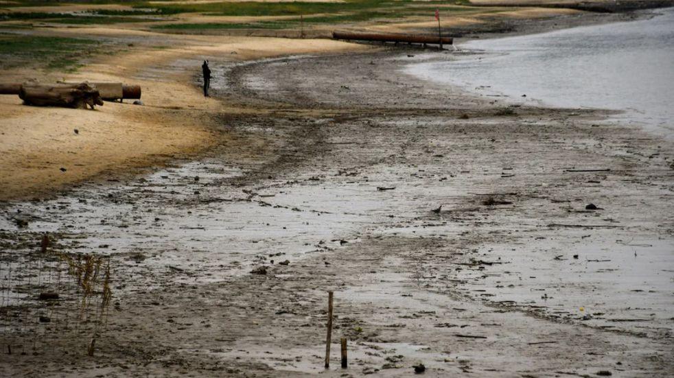 El río Paraná ya está en el nivel más bajo desde 1944 y podría seguir cayendo