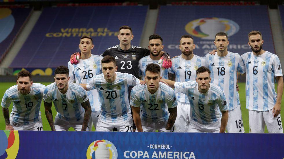 Cuatro futbolistas argentinos en el equipo ideal de la Copa América