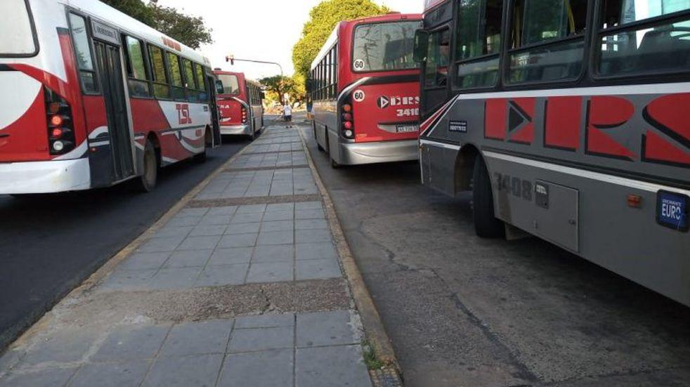 Segundo día de paro de colectivos en la Capital provincial