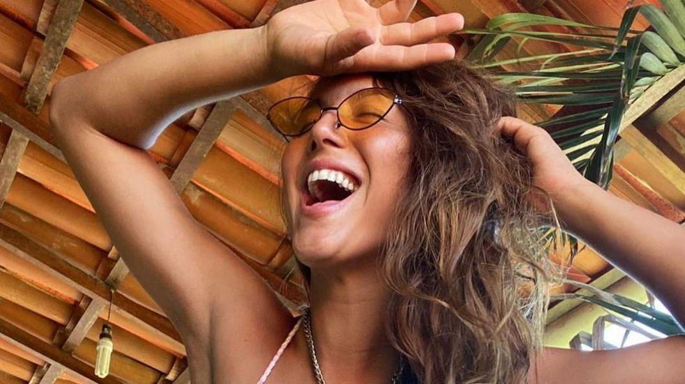 Flor Vigna y una impactante bikini naranja de cavado profundo: su vestuario para la samba de ballroom