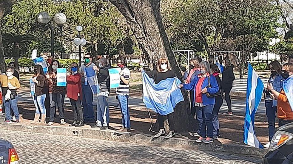 Con una ruidosa y concurrida marcha, Rafaela se sumó al #17A