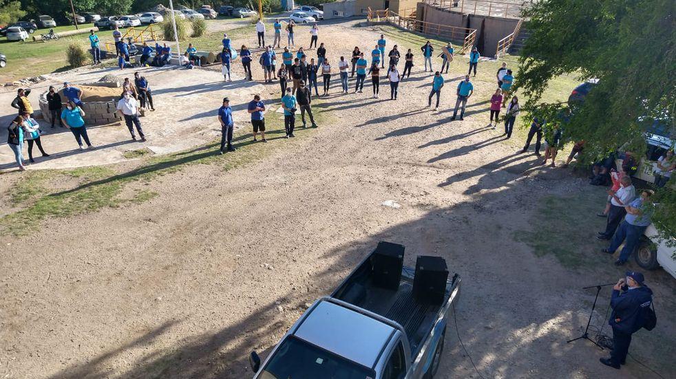 Miembros de la Cooperativa Integral y el Sipos impidieron el traspaso de los trabajadores del servicio de agua