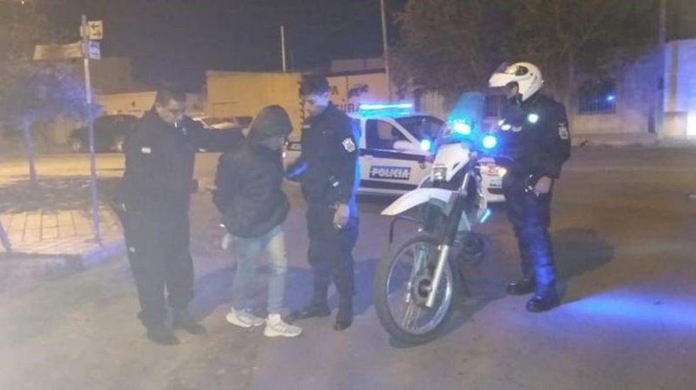 Hará trabajos comunitarios porque trató de robar una moto policial
