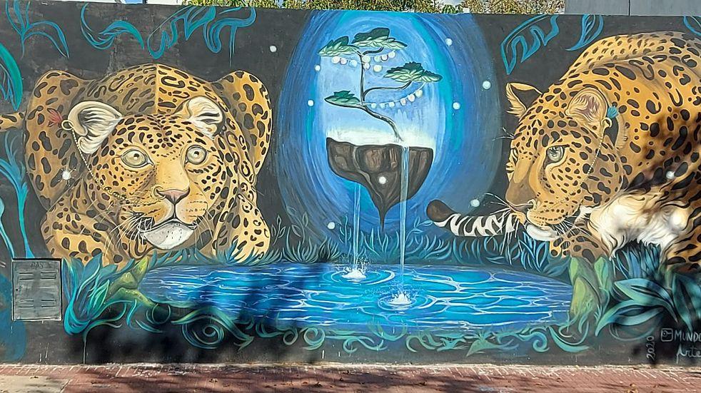Restauraron el mural de los leopardos