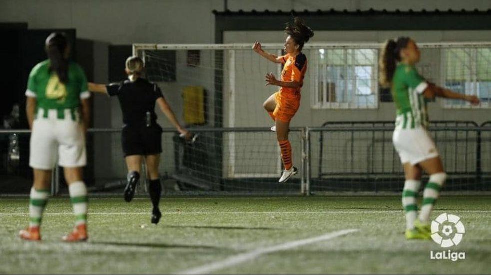La morterense Florencia Bonsegundo hizo un gol maradoneano
