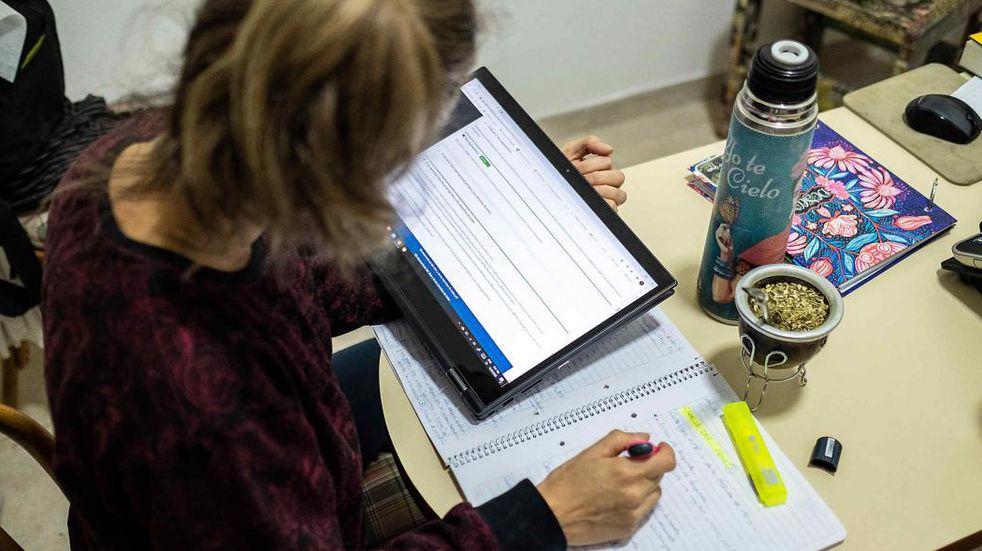 Ushuaia: empleados municipales obtendrán beneficios en la universidad FASTA