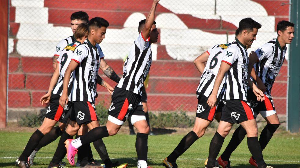 Liga Cordobesa: Argentino Peñarol se afirma en la cima a puro festejo