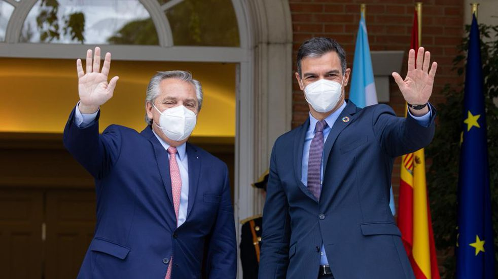 España no permite el ingreso de argentinos vacunados con la Sputnik V: la reacción del Gobierno