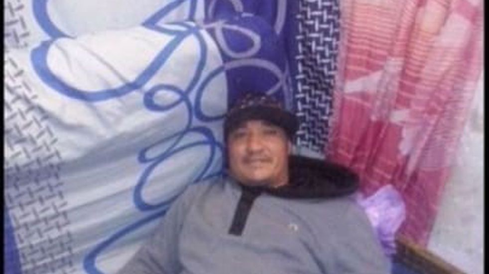 El preso acusado de matar otro tenía un celular y una cuenta de Facebook