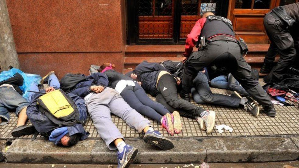 """Incidentes en el Congreso: quieren deportar """"lo antes posible"""" a los extranjeros detenidos"""