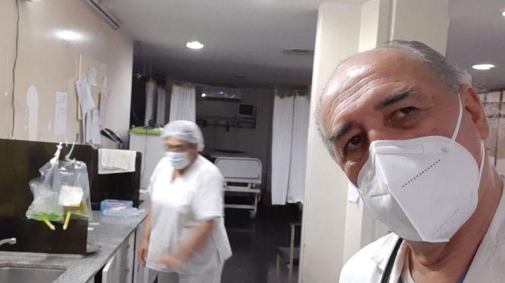 Un médico de Orán venció al coronavirus y regresó para atender pacientes en la guardia del hospital