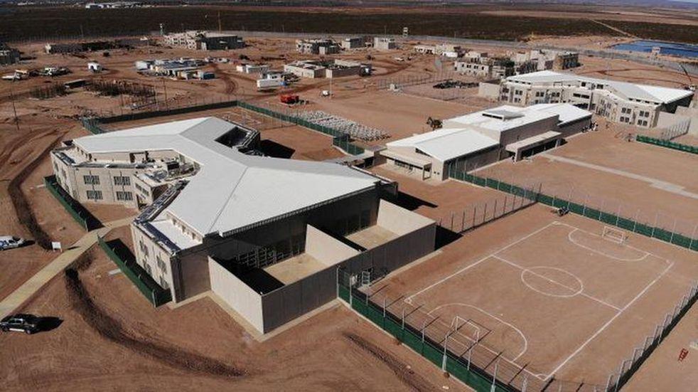 Importante operativo para trasladar a las 90 internas de la cárcel de El  Borbollón al de Almafuerte II