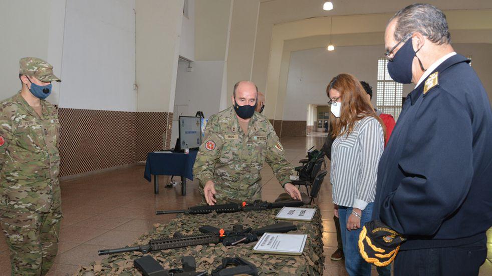 La Secretaria de la Defensa recorrió la zona de Puerto Belgrano
