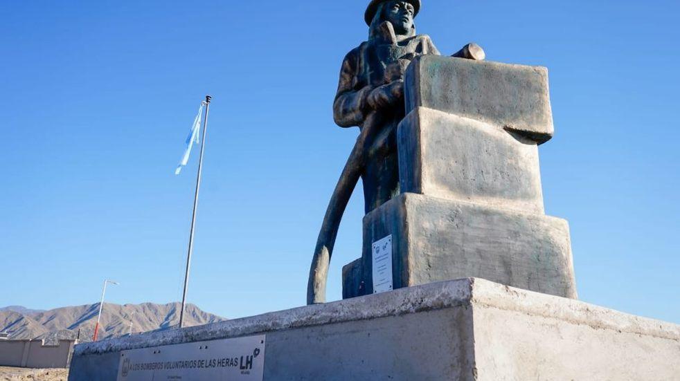 Restauran y reinauguran el Monumento al Bombero Voluntario Argentino