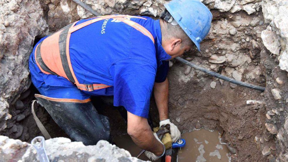 Se normalizó el servicio de agua potable en barrios de Córdoba
