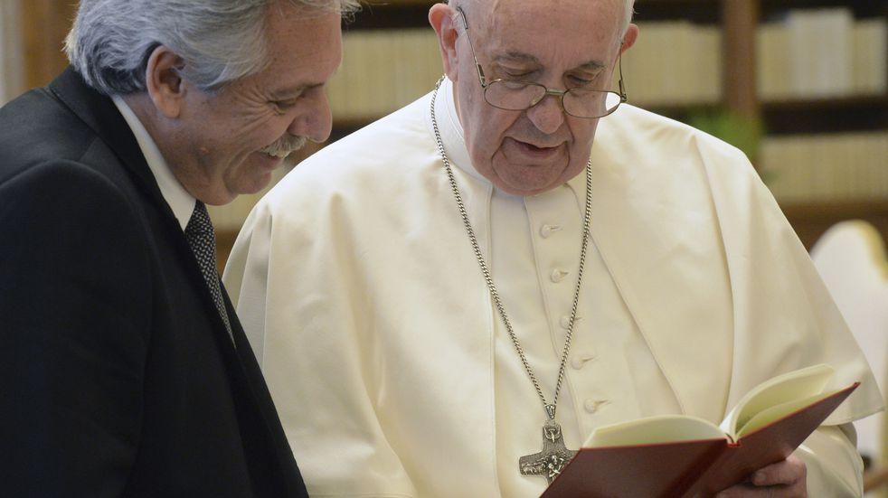 """El Vaticano asegura que está """"interrumpida"""" la relación entre el Papa y Alberto Fernández"""