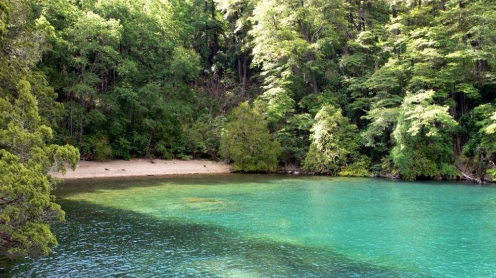 El paraíso de la Playa Turquesa ubicada a kilómetros de San Martín de los Andes