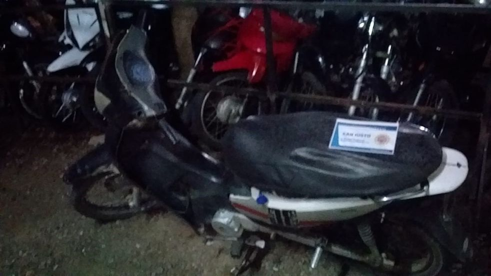Moto secuestrada por Policia de Arroyito