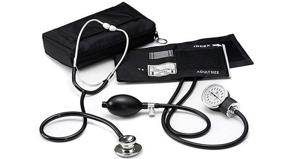 El ministro de salud contrata agentes sanitarios