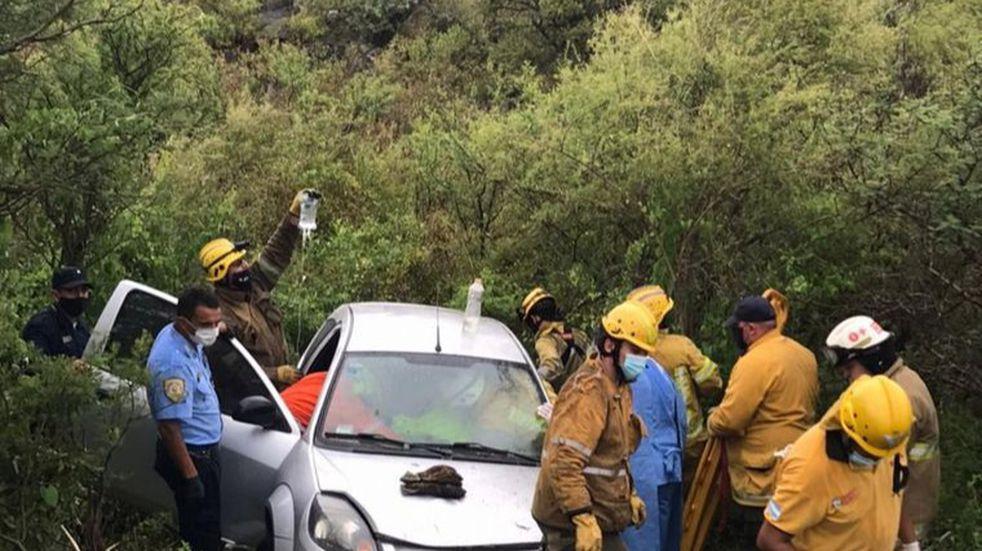 Charbonier: una mujer y tres menores heridos tras un grave accidente en la Ruta 38