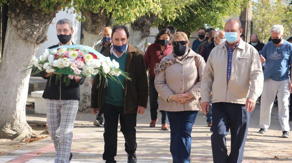 Sánchez participó en el homenaje a los trabajadores fallecidos