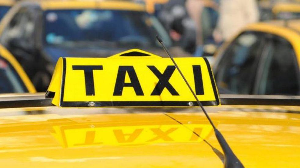 Fingieron ser pasajeros y le robaron hasta las zapatillas a un taxista