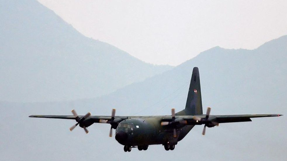 Hallaron restos de avión flotando en la zona donde desapareció aeronave chilena