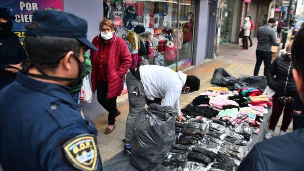Córdoba en crisis: volvieron los vendedores ambulantes a la Peatonal