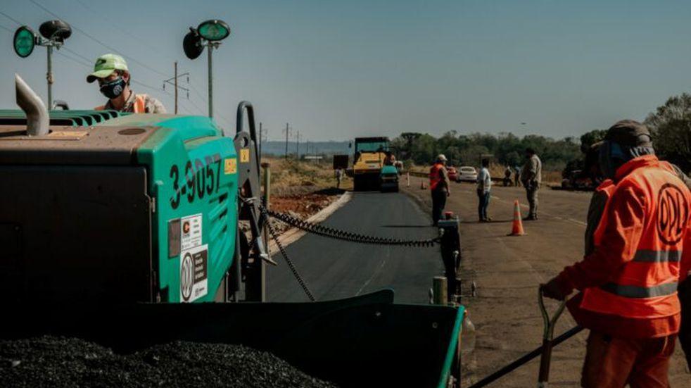 La Dirección Provincial de Vialidad ejecuta obras en El Soberbio