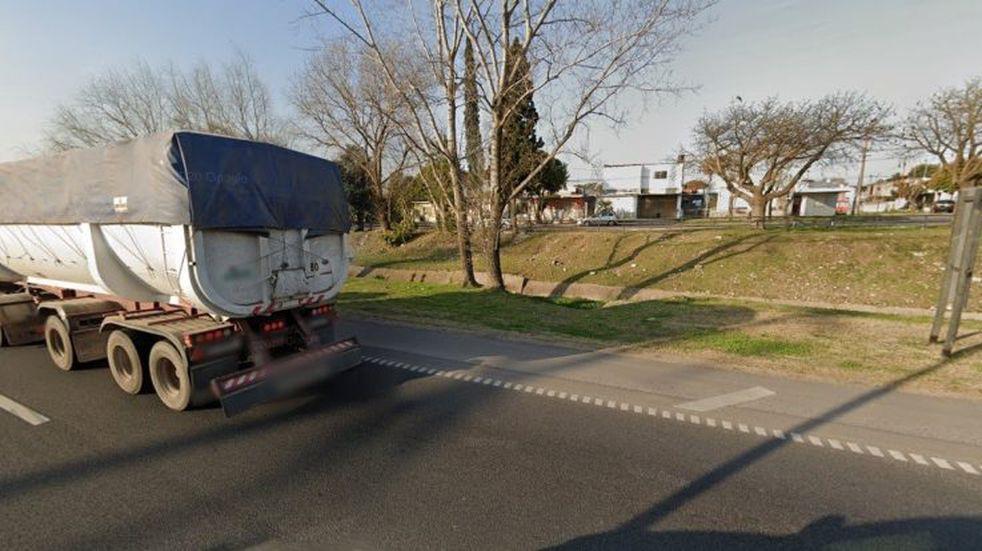 El homicidio se registró sobre calle Cervantes. (Google Street View)