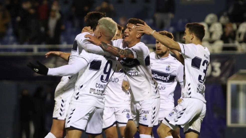 Gimnasia empató sobre el final y dejó el 2-2 ante Platense