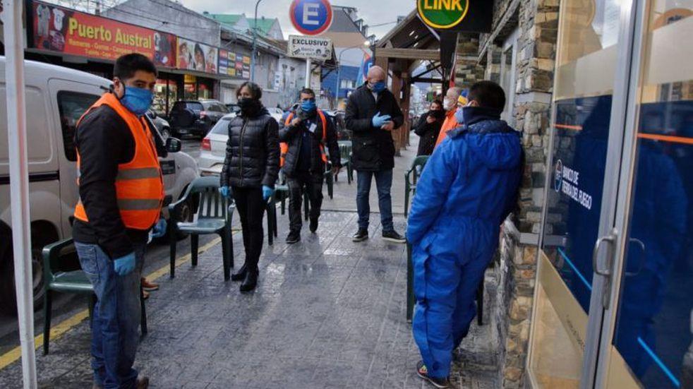Tras siete días sin casos positivos de coronavirus Ushuaia habilita la reapertura de comercios
