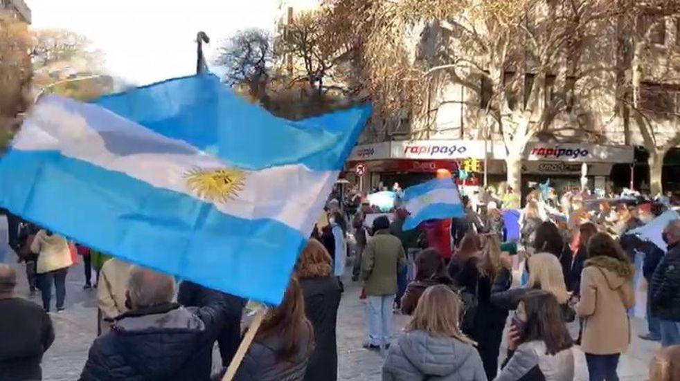 Mendoza tuvo su banderazo por la libertad