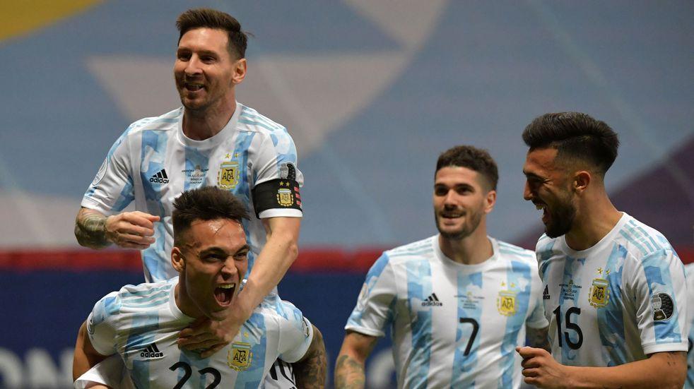 La Selección Argentina venció por penales a Colombia y jugará la final de la Copa América frente a Brasil