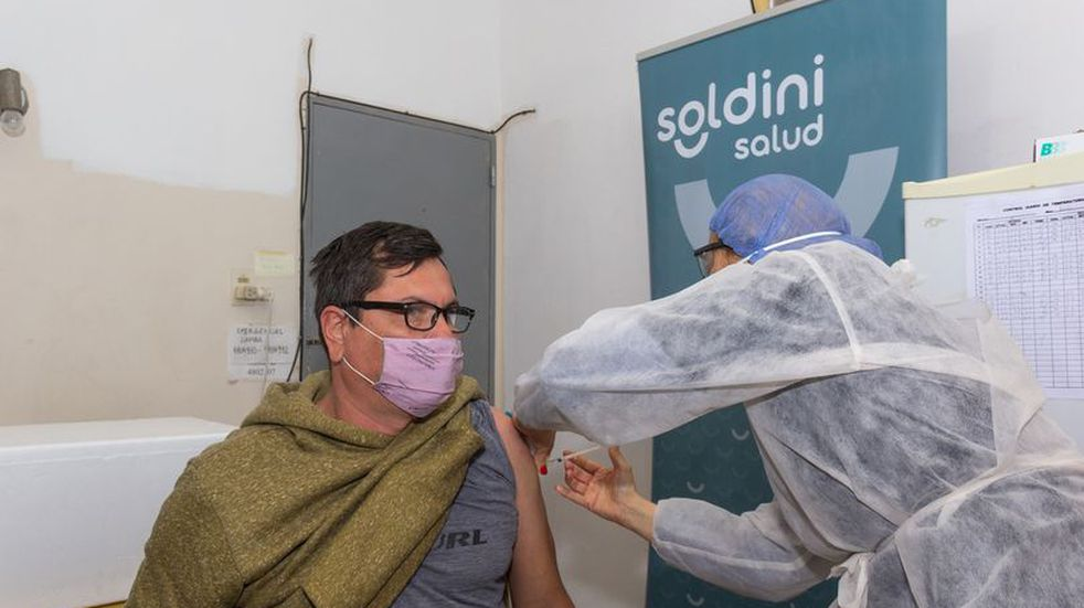 Llegaron dosis de Sinopharm y Sputnik-V a Soldini (Facebook Comuna de Soldini)