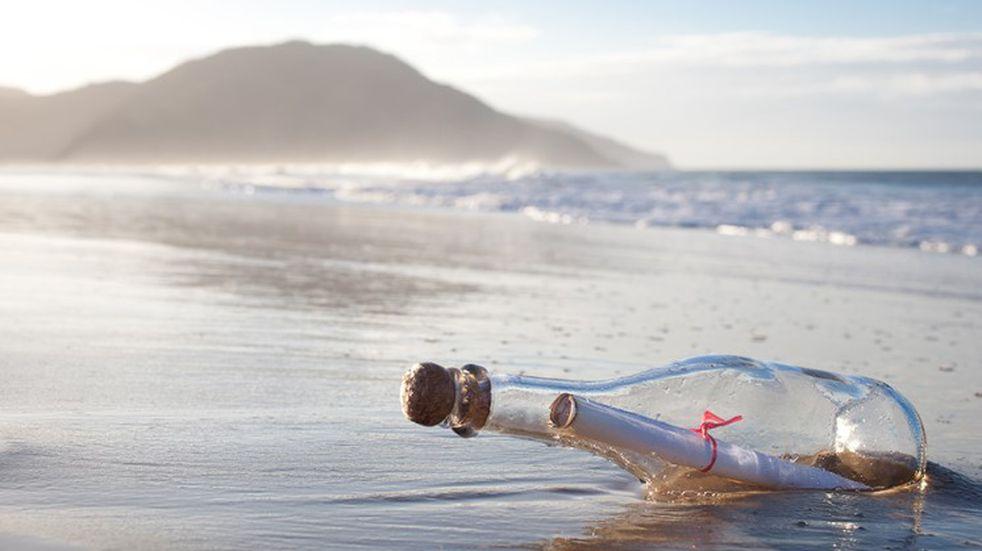 Encontraron un emotivo mensaje en una botella que viajó por el mar durante 16 años