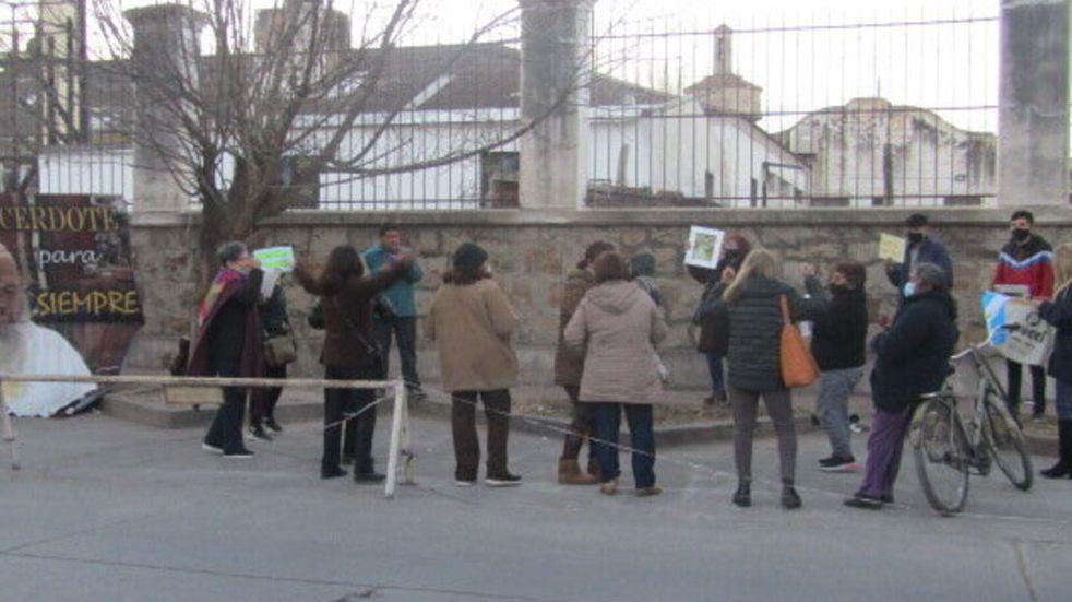 Seguidores de Rosa Torino se manifestaron en la entrada del penal de Villa Las Rosas