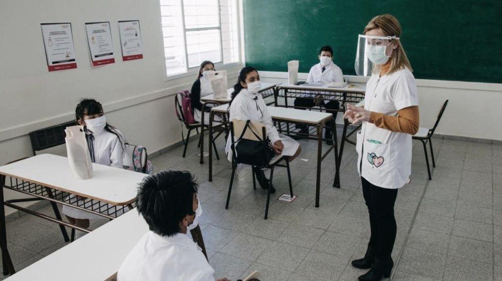 Docentes conocerán en tiempo real los contagios en las escuelas mendocinas