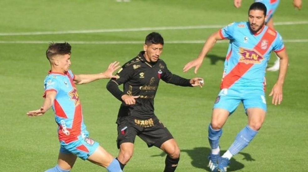 Colón de Santa Fe no pudo romper el cero e igualó sin goles ante Arsenal