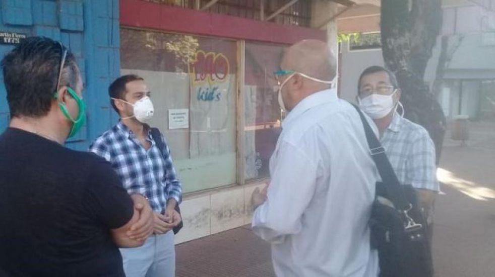 Comerciantes de Eldorado piden que los dejen volver a trabajar