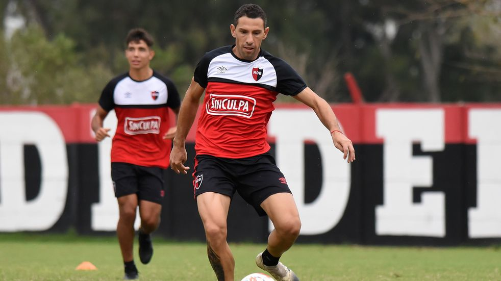 Descartaron a Maxi Rodríguez en Newell's para enfrentar a Argentinos Juniors