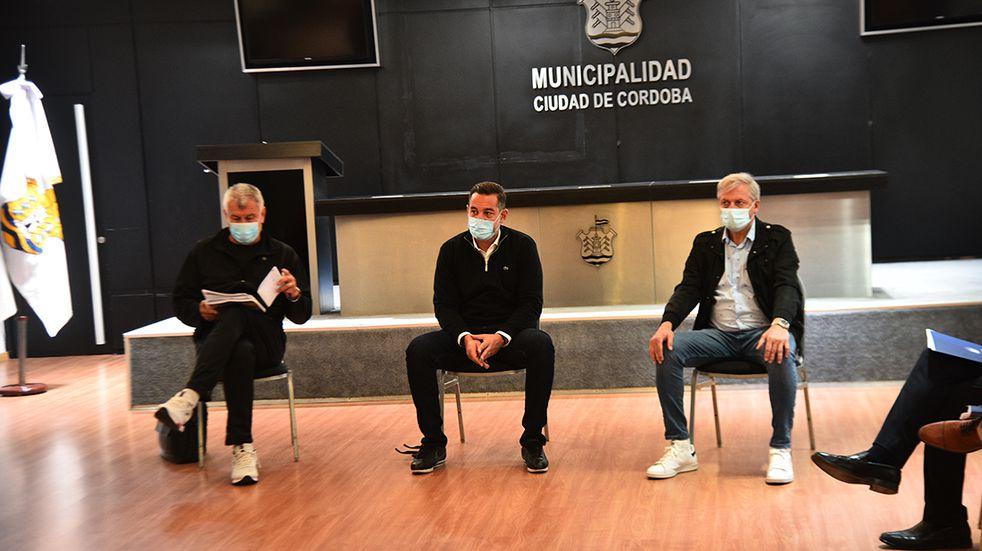 Medardo Ligorria, Miguel Siciliano y Héctor Campana, optimistas en encontrar un acuerdo (Foto: Pedro Castillo).
