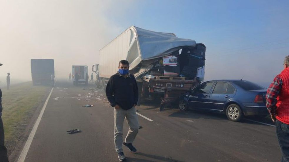 Un siniestro vial en plena ruta por la escaza visibilidad provocada por quema de pastizales