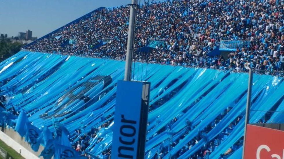 Los hinchas de Belgrano, de Primera: un aliento conmovedor