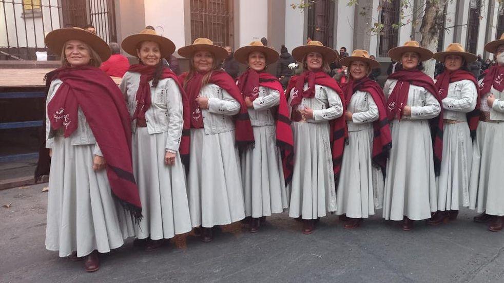 Les robaron los trajes de gaucho a bailarinas de malambo