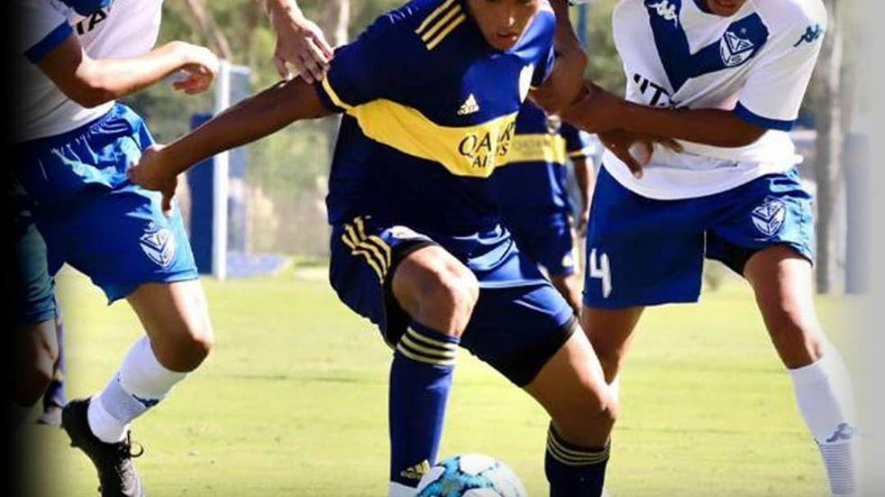 Un maipucino debutó en la Primera de Boca Juniors: viene de una familia humilde, compraron un televisor para ver mejor su primer partido