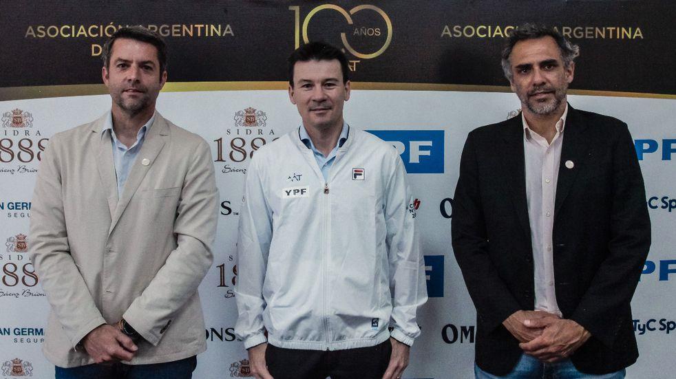 El venadense nacido en Rufino estuvo acompañado por Agustín Calleri y Mariano Zabaleta en su primera conferencia de prensa.
